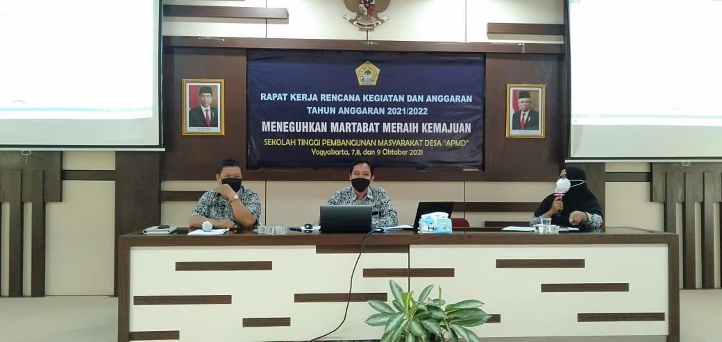 Prodi Komunikasi mengikuti rapat kerja Sekolah Tinggi tahun 2021/2022
